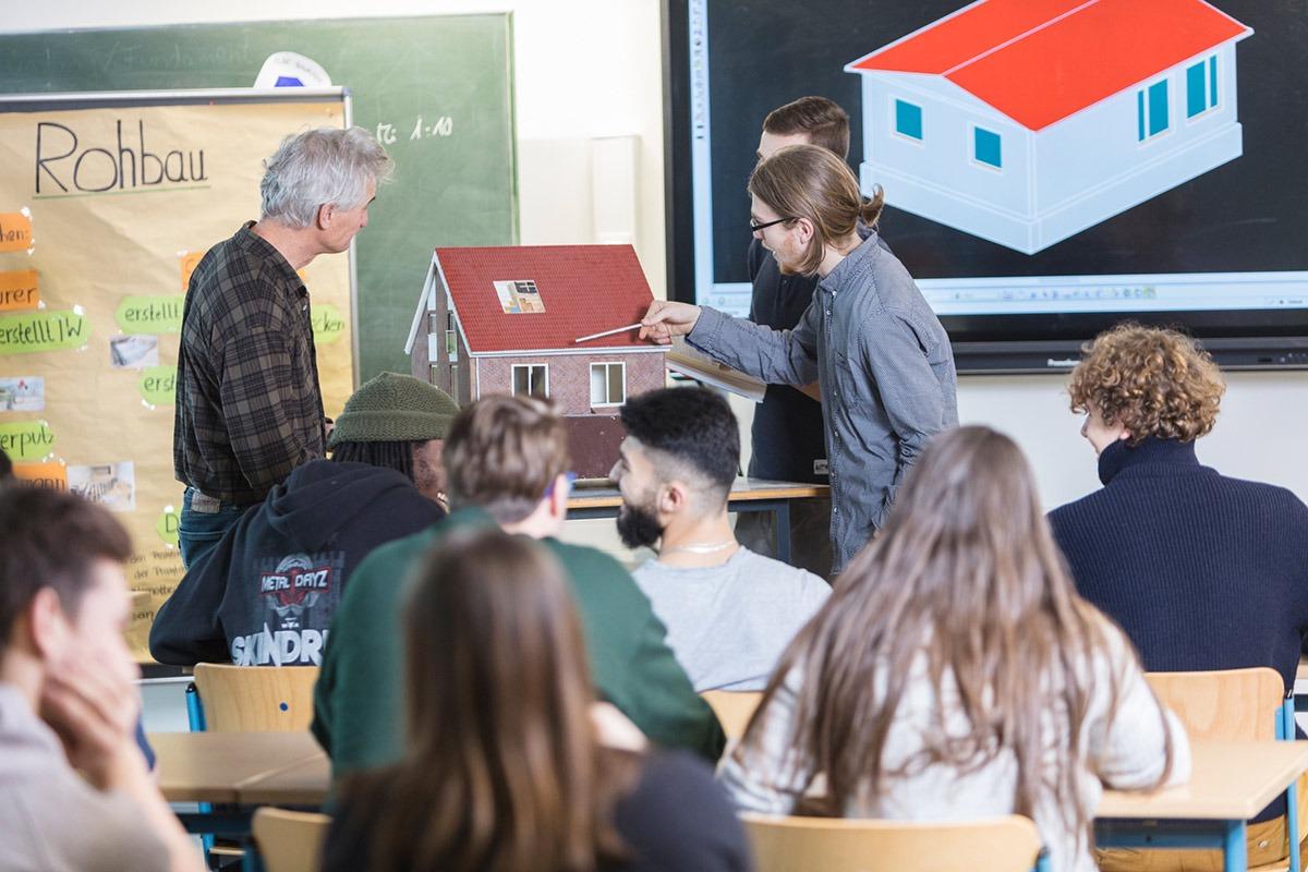 Berufliches Gymnasium Technik_BS13-Berufliche-Schule-Anlagen–und-Konstruktionstechnik-am-Inselpark_05